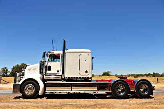 Chrome wheels on a Kenworth truck