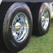 Shiny_chromed_wheels